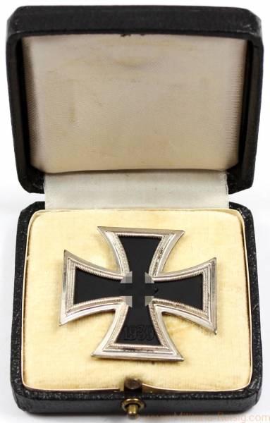 Eisernes Kreuz 1. Klasse 1939 im Etui, Herst. 3 (Wilhelm Deumer, Lüdenscheid), TOP!
