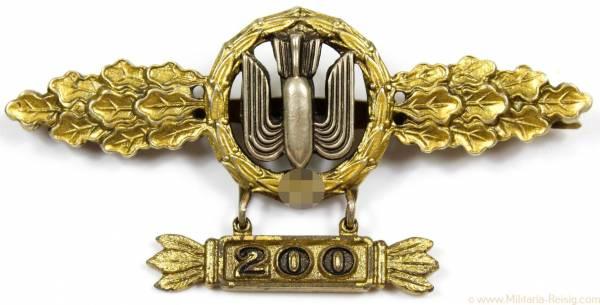 Frontflugspange für Kampfflieger in Gold mit Anhänger 200