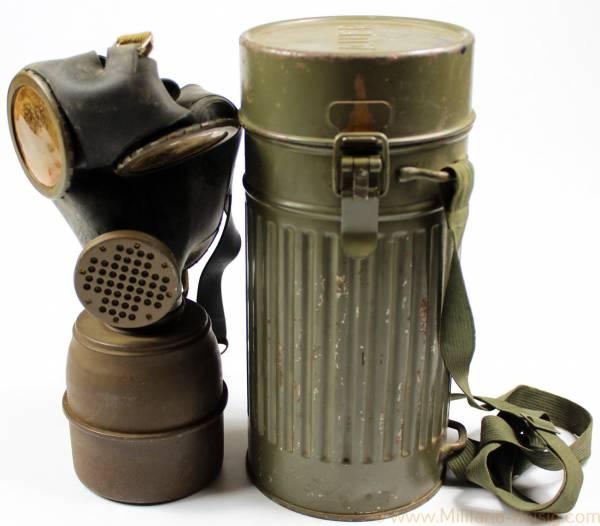 Tschechische Gasmaske in Wehrmacht Behälter, Herst. Auer