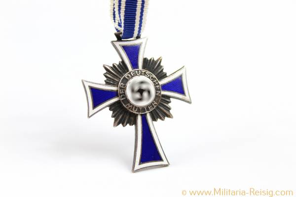 Mutterkreuz in Silber, 2. Stufe