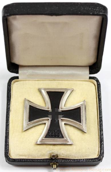Eisernes Kreuz 1. Klasse 1939 im Etui, Herst. 4 u. L/16 (Steinhauer & Lück, Lüdenscheid)