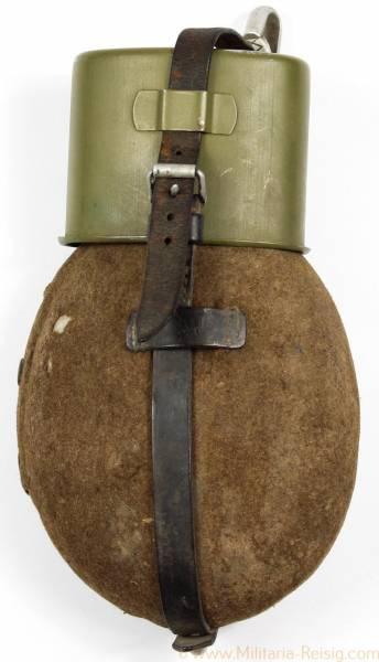 Feldflasche der Wehrmacht GNL 42, SMM 34, AWG 37