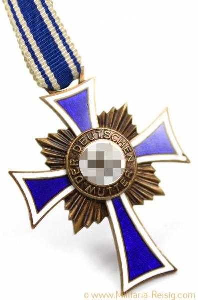 Ehrenkreuz der Deutschen Mutter 3.Stufe Bronze am Band