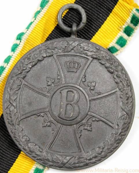 Medaille für Verdienst im Kriege 1915 in Zink