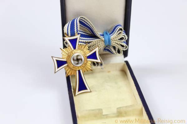 Mutterkreuz in Gold, im Etui, Herst. L.Bertsch, Karlsruhe