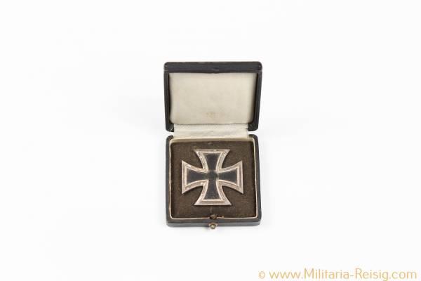 Eisernes Kreuz 1. Klasse im Etui - Herst. 100, Rudolf Wächtler & Lange, Mittweida - Messingkern
