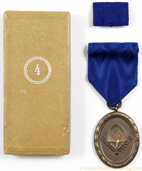 RAD (Reichsarbeitsdienst) Dienstauszeichnung für Männer 4. Stufe für 4 Jahre im Etui