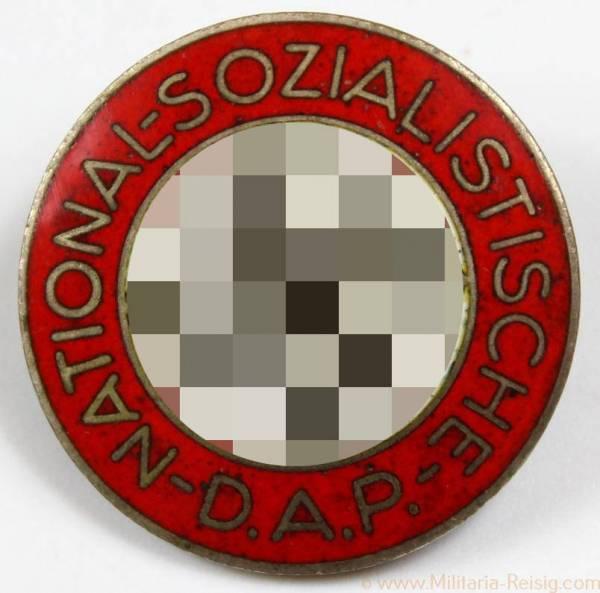 NSDAP Parteiabzeichen, Herst. RZM M1/42 (Kerbach & Israel, Dresden)