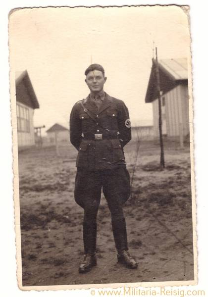 Foto Postkarte eines SA Mannes in Uniform, SA Dienstdolch