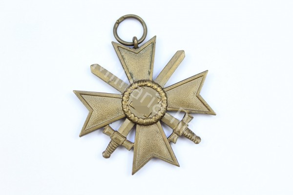 Kriegsverdienstkreuz mit Schwertern 2.Klasse 1939, Herst. 72 - Franz Lipp, Pforzheim