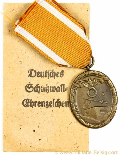 Schutzwall Ehrenzeichen und Verleihungstüte, Herst. Carl Poellath Schrobenhausen