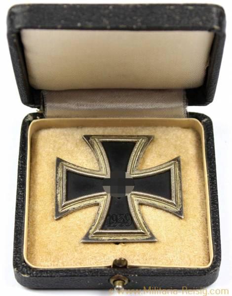 Eisernes Kreuz 1. Klasse 1939 im Etui - Herst. L/11 (Wilhelm Deumer, Lüdenscheid)