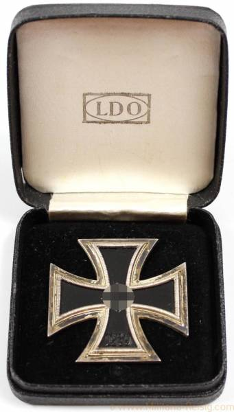 Eisernes Kreuz 1. Klasse 1939 im Etui, Herst. L55 (Rudolf Wächtler & Lange, Mittweida)