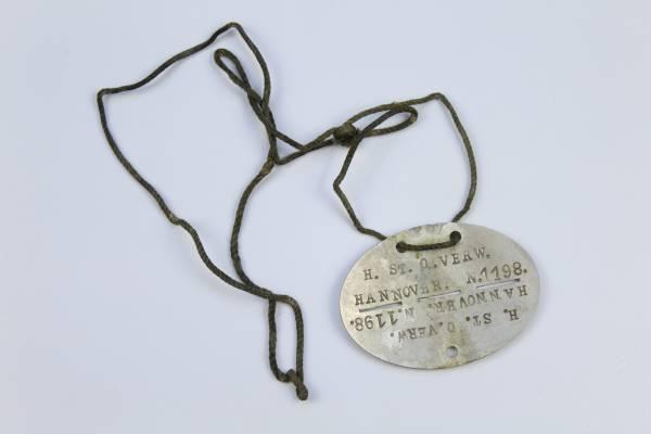 """Wehrmacht Erkennungsmarke """"H. ST. O. VERW."""" - Heeresstandortverwaltung"""