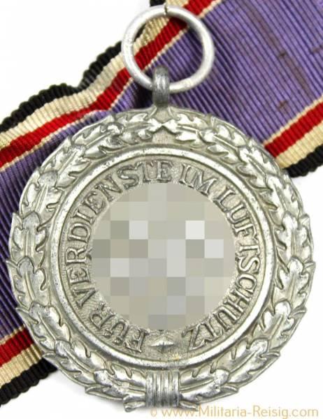 Luftschutz-Ehrenzeichen 2.Stufe (Medaille), Herst. 10 (Förster & Barth, Pforzheim)
