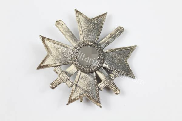 Kriegsverdienstkreuz 1. Klasse mit Schwertern, Herst. L/18 - B.H. Mayer, Pforzheim