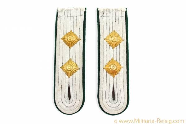 2 Schulterklappen für einen Hauptmann Polizei, 3. Reich
