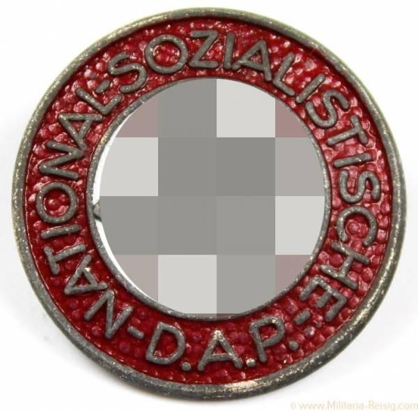 NSDAP Parteiabzeichen, Herst. RZM M1/128 (Eugen Schmidhäußler, Pforzheim)