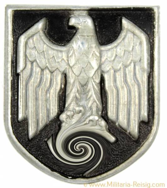 Tropenhelm Emblem